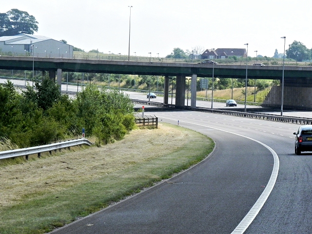 M6 Toll Road, Middle Hill