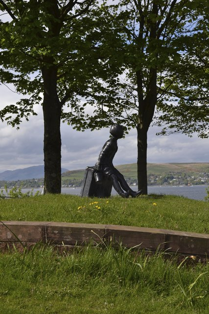 Girl on a Suitcase, Kempock Street, Gourock, Inverclyde - 3
