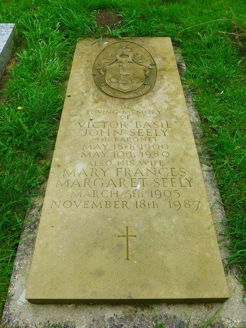St Olave, Gatcombe: churchyard (2)