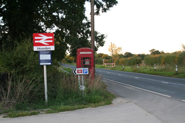Howden Station Car Park and phone box