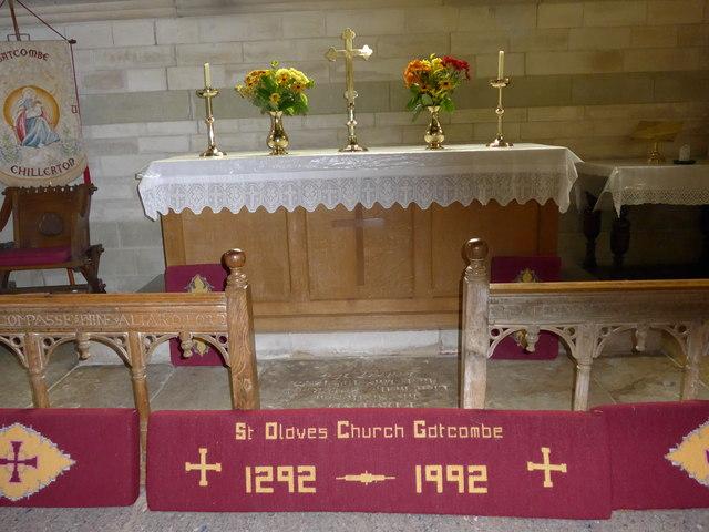St Olave, Gatcombe: altar