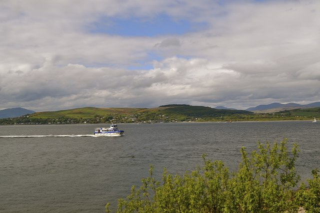 Argyll Ferries Ali Cat sails up the Firth of Clyde towards Gourock
