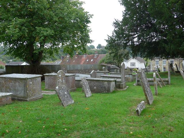 St Mary, Carisbrooke: churchyard (a)
