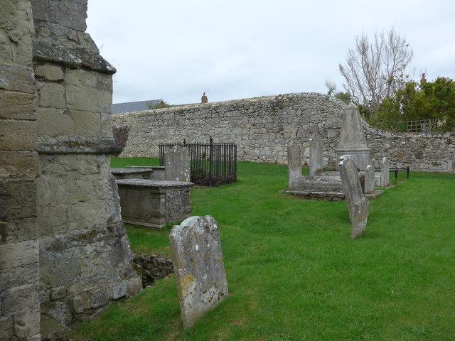 St Mary, Carisbrooke: churchyard (n)