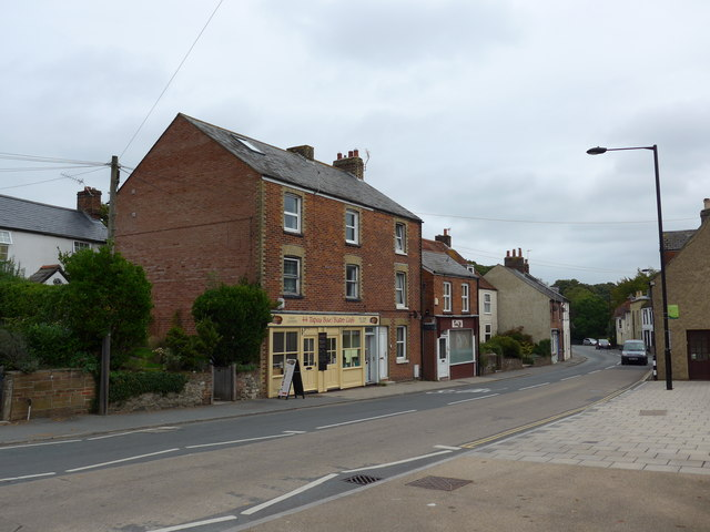 Looking east-northeast in the High Street