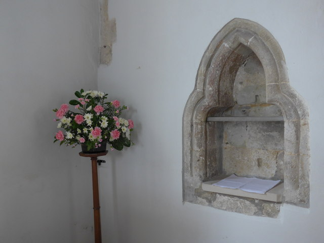 Inside St Mary, Carisbrooke (6)