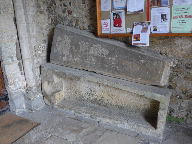 Inside St Mary, Carisbrooke (9)
