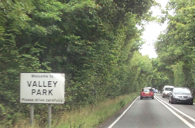 Entering Valley Park on Castle Lane