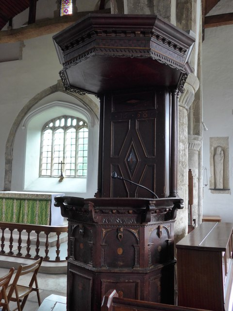 St Mary, Carisbrooke: pulpit