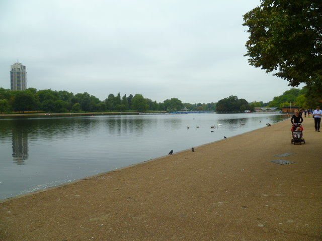 Looking west along the northern edge of The Serpentine