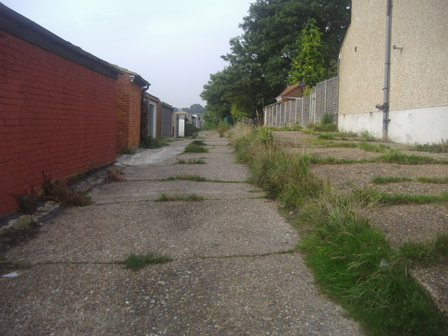 Alleyway off Chase Way, Southgate