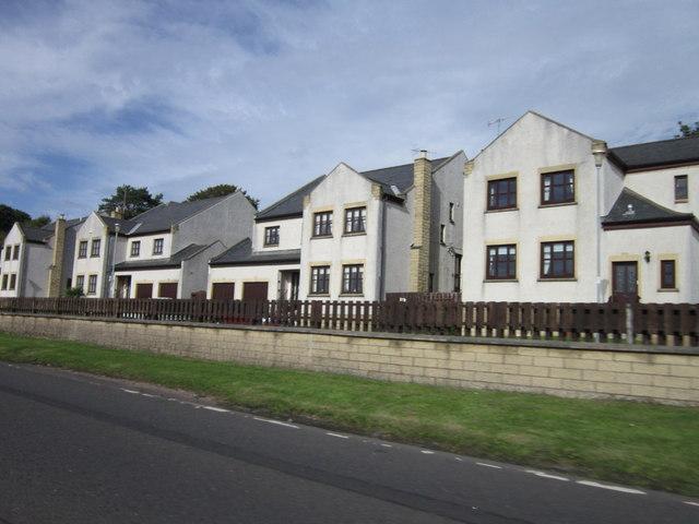 Houses on Snowdon Terrace, Seamill