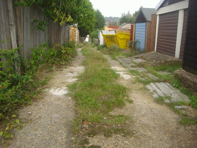 Alleyway off Woodfield Drive, Southgate