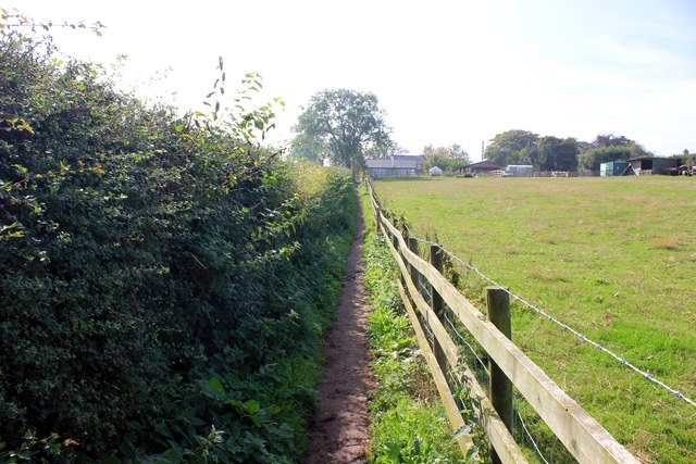 Footpath to Summertrees