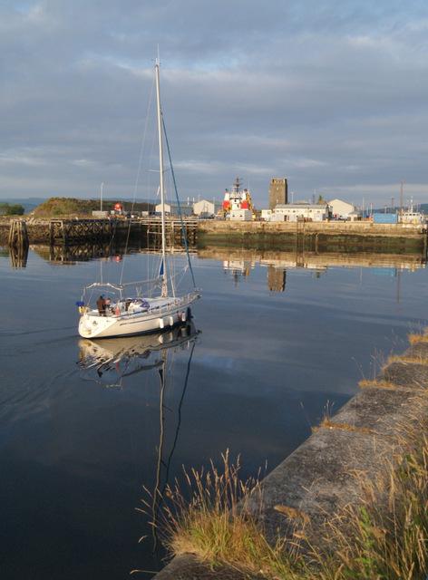 Yacht in Garvel wet dock