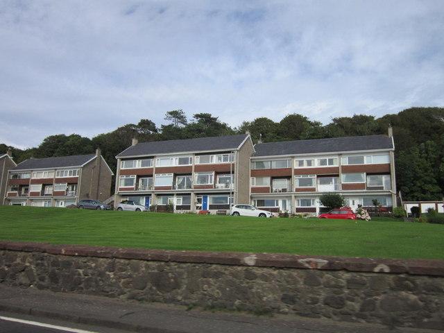 Houses on Shuma Court, Skelmorlie