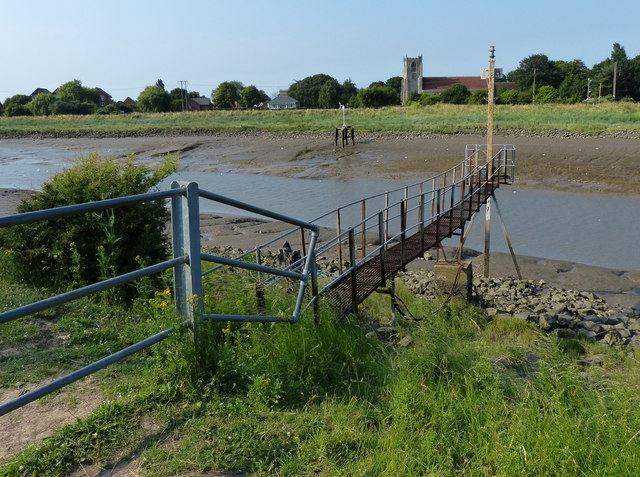 Gantry along The Haven (River Witham)