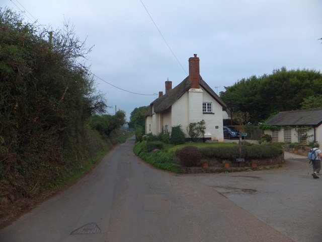 Robins Court and footpath to Cox's Hill Farm, Upton Pyne