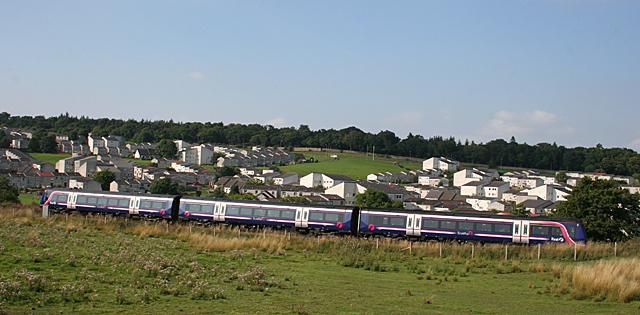 Train passing Hallglen