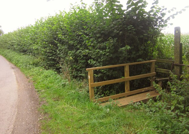 Monarch's Way leaving Cabbage Lane