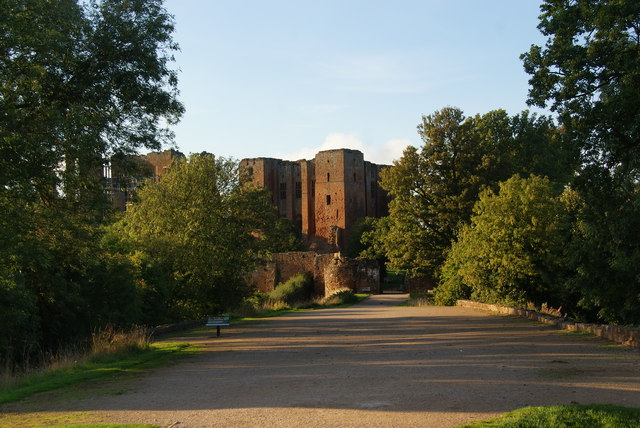 Approach to Kenilworth Castle