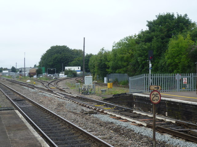 Looking towards the Marlow branch at Maidenhead station