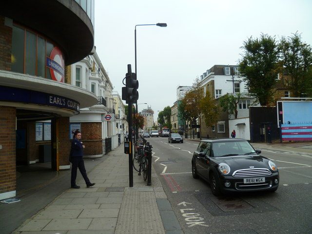 Looking along Warwick Road from the entrance to Earls Court Station
