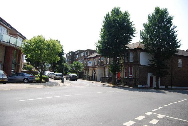 The end of Nizells Avenue