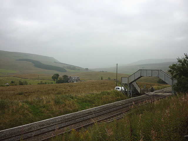 Footbridge over Settle-Carlisle line, South Lunds