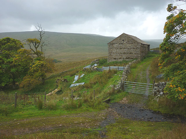Ford and barn at Flust Gill