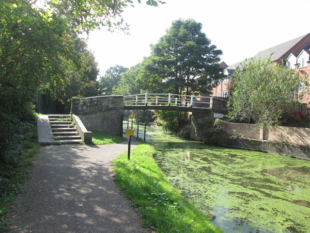 Footbridge over the canal at Sandiacre