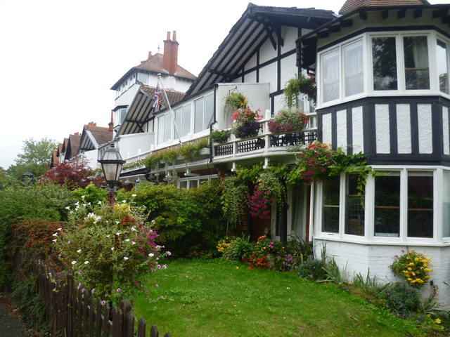 Houses in River Road, Maidenhead