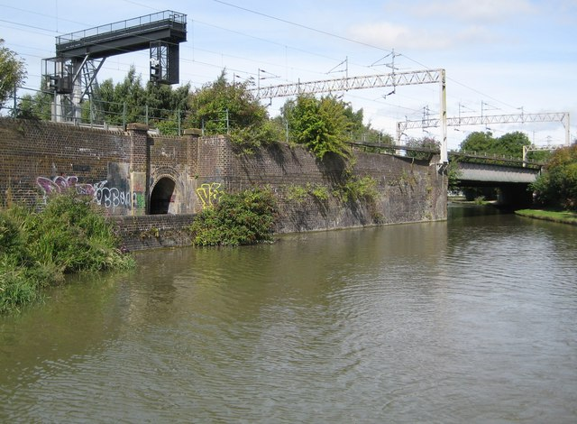 Grand Union Canal: Bridge Number 71A