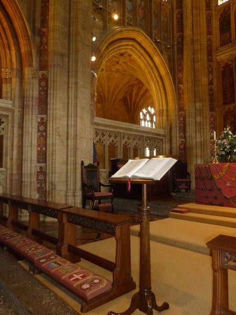 Inside Sherborne Abbey (36)