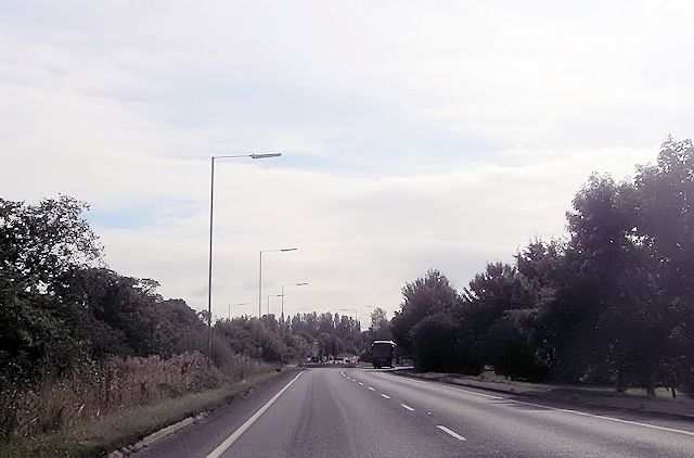 Approaching Avon Way roundabout from A4130
