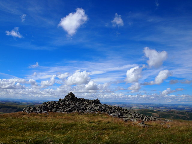 Summit Cairn, Hare Law
