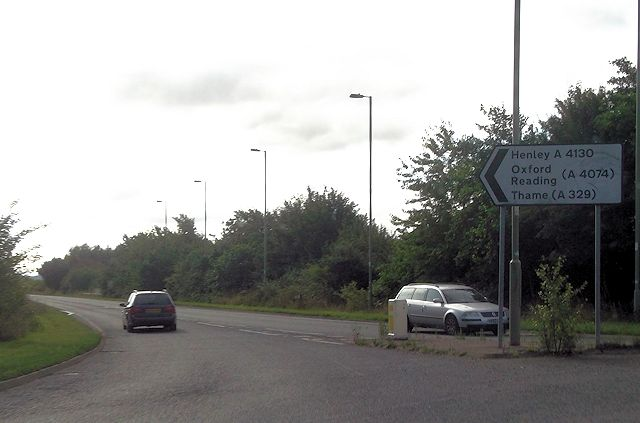 Hithercroft roundabout on Wallingford by pass