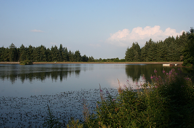 Beecraigs Loch
