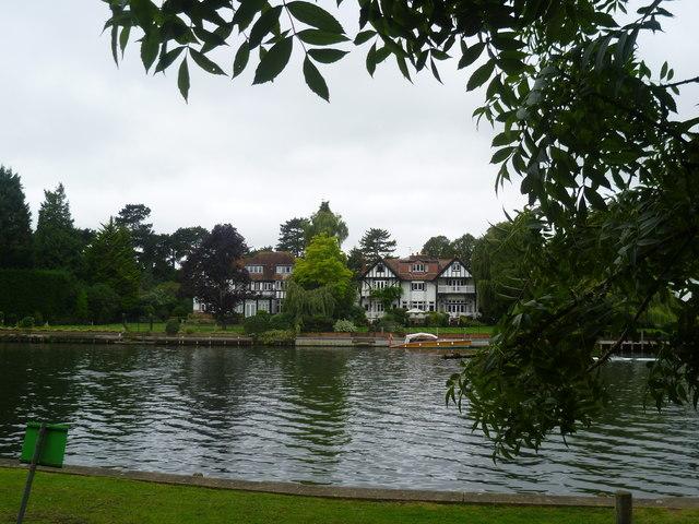 Houses alongside the Thames