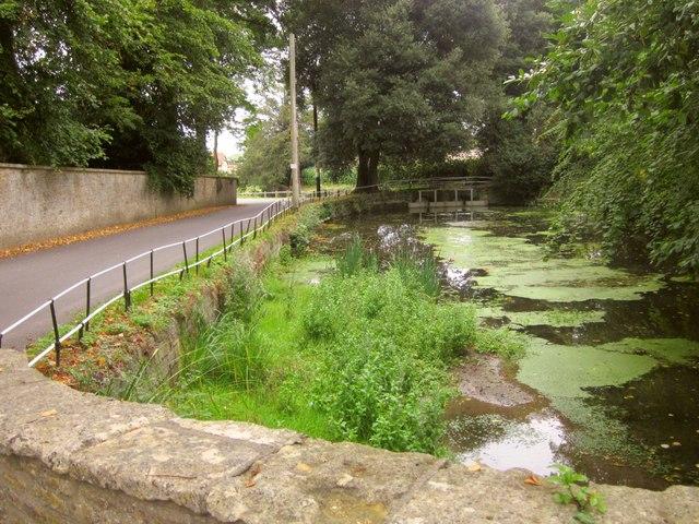 Pond, Horsington
