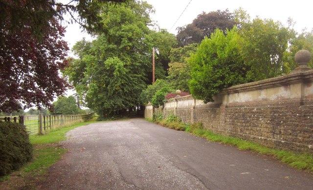 Road past Horsington House
