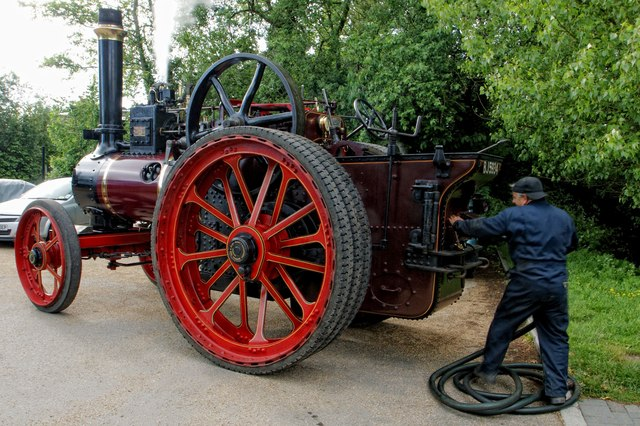 Traction Engine - Bluebells Tea Room Car Park, Marsworth