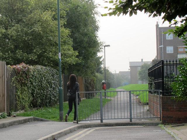 Footpath on Temple Hill