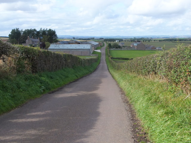 Down the hill to Thornton Mains