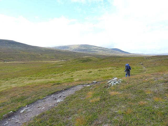 Heading west towards Leathad an Taobhain