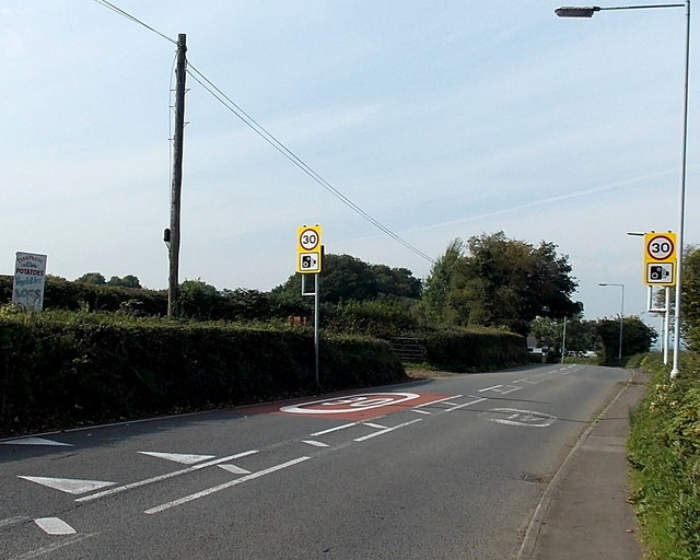 Start of the 30mph zone on the eastern approach to Waunarlwydd
