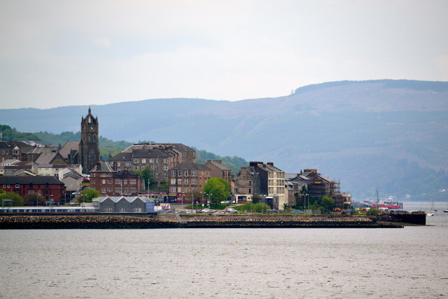 Gourock Pierhead viewed from P&O's Adonia sailing out of Greenock