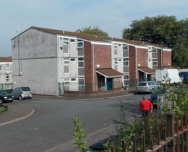 Clas-y-Bedw flats in Waunarlwydd