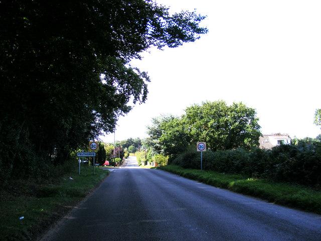 Entering Felthorpe on The Street
