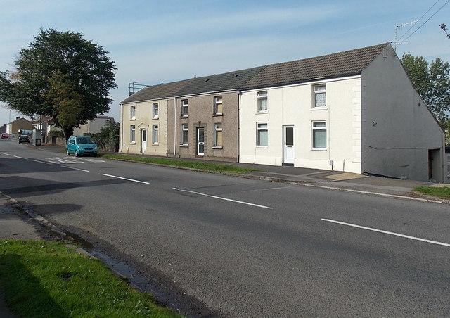 Row of 3 houses, Swansea Road, Waunarlwydd